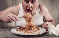 GALATEO: come mangiare e cosa non fare mai a tavola!