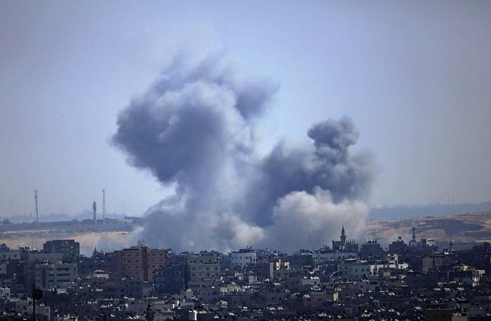 Gaza: 40 razzi su Israele, l'aviazione colpisce la Striscia