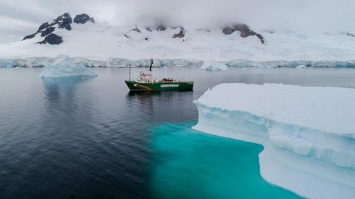 Greenpeace trova microplastiche e Pfas in Antartide