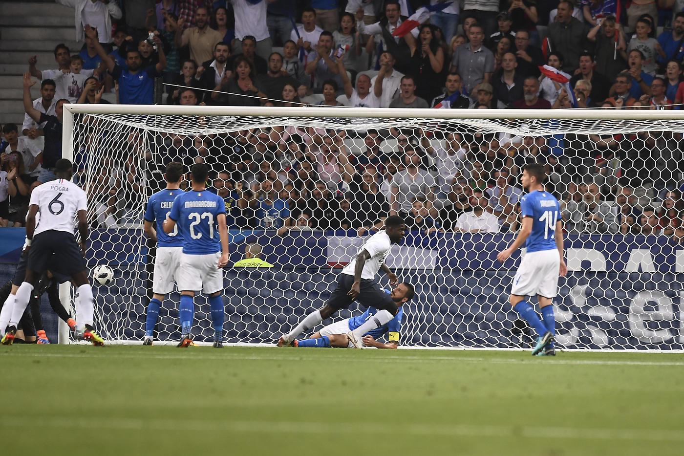 Amichevoli, Francia-Italia 3-1: prima sconfitta per Mancini