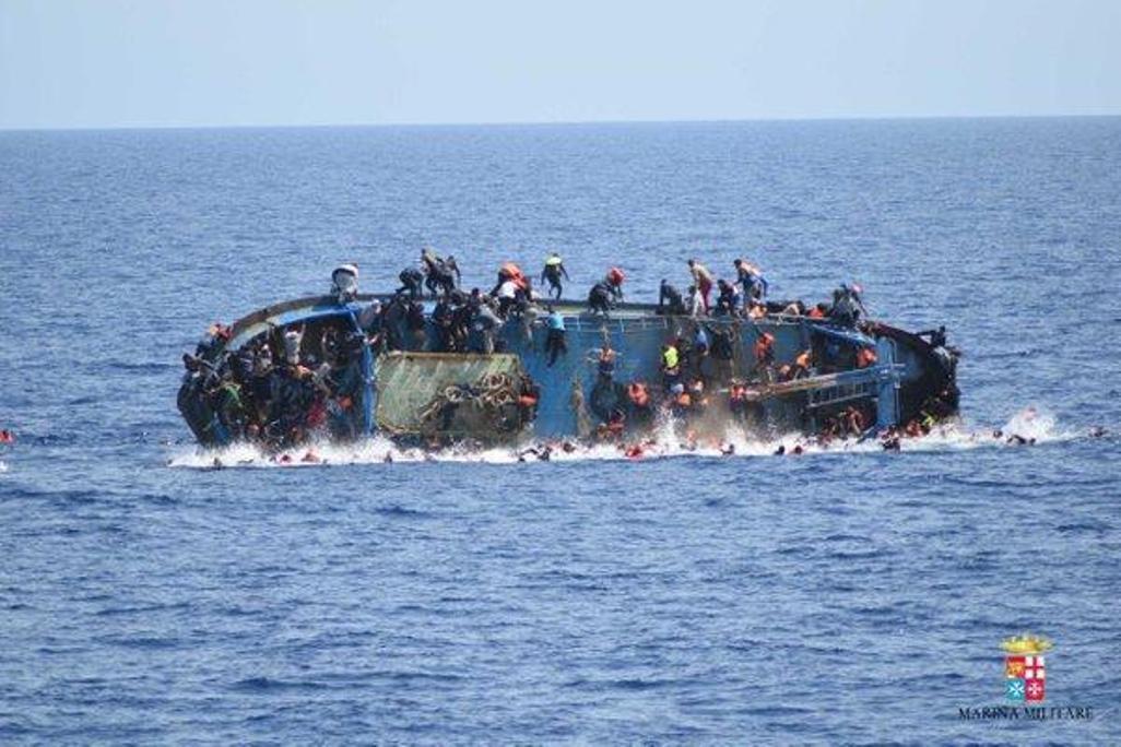 Naufragio nell'Egeo, motoscafo affonda: morti 9 migranti, 6 erano bimbi