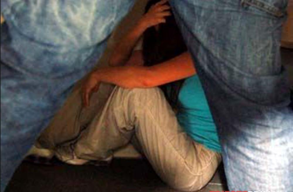 Abusi sessuali sulla figlia e sul figlio: arrestato impiegato