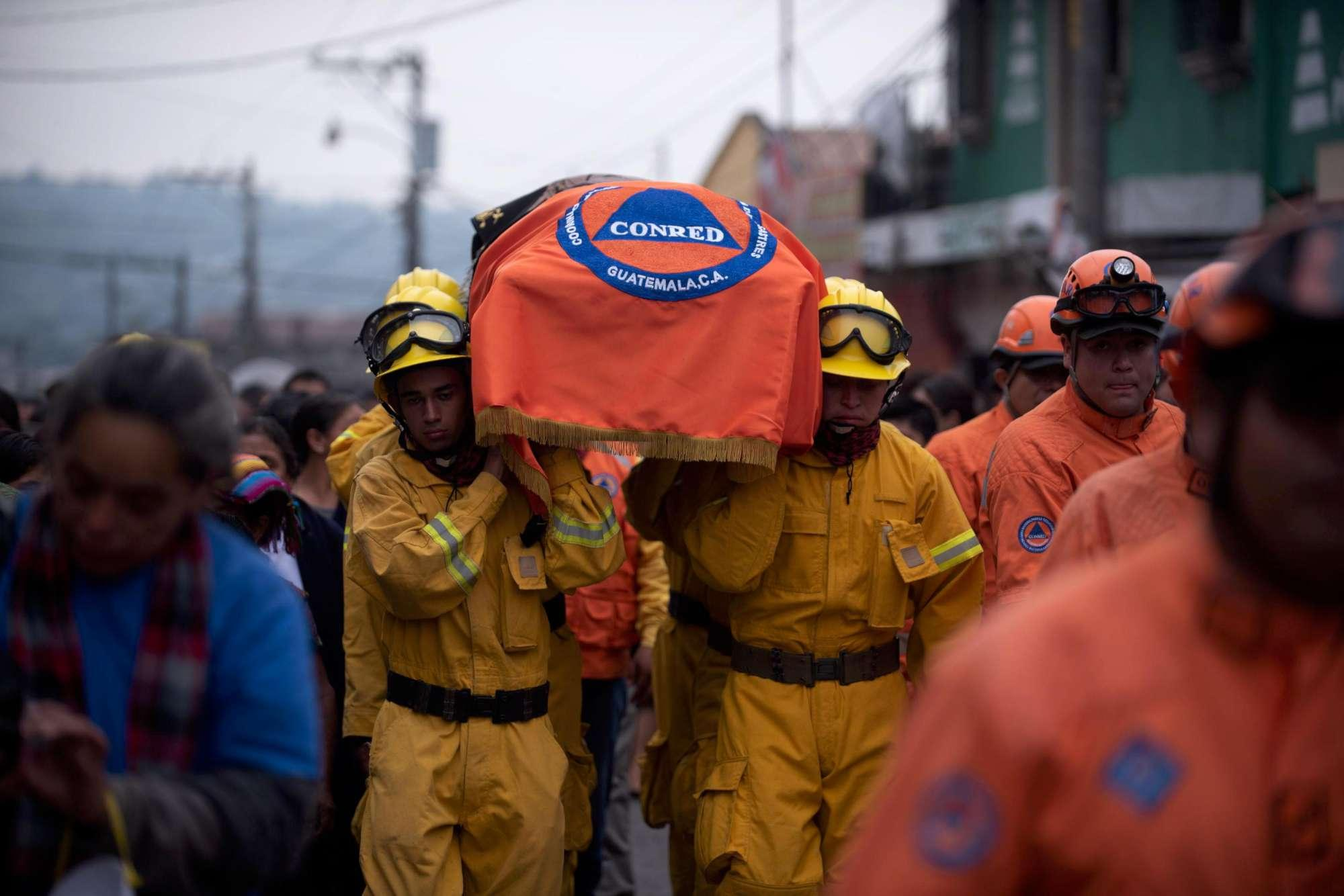 Vulcano Guatemala, bilancio sale a 75 morti e 192 dispersi
