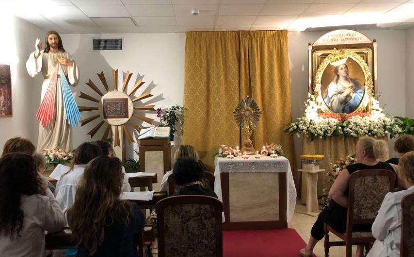 Mazara. La Madonna del Paradiso è arrivata in ospedale accolta da un popolo festante