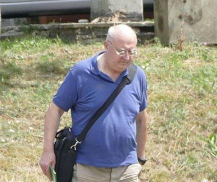 Niente carcere per il parroco 70enne sorpreso in auto con la bambina