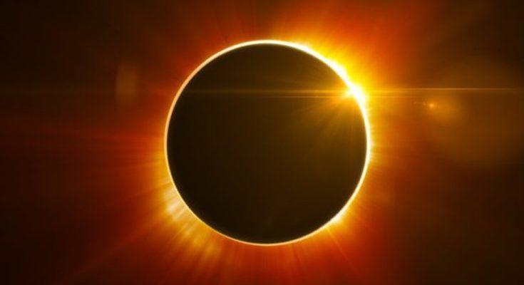 In arrivo l'eclissi totale più lunga del secolo: 103 minuti di Luna rossa
