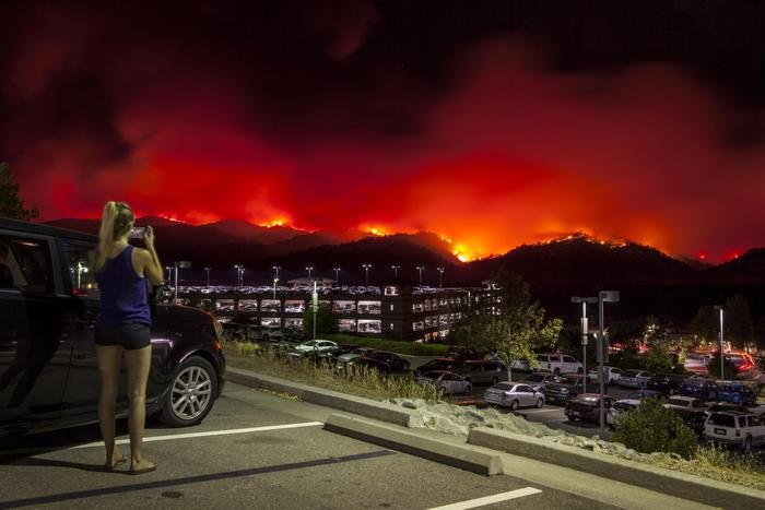 Maxi incendio in California,300 sfollati
