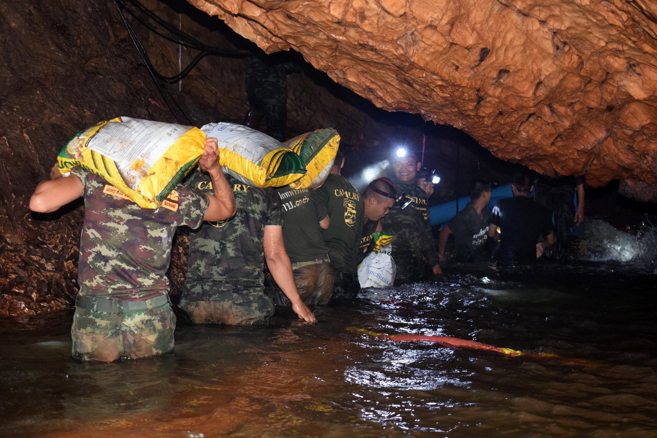 Thailandia, ritrovati vivi  i ragazzi dispersi nella grotta