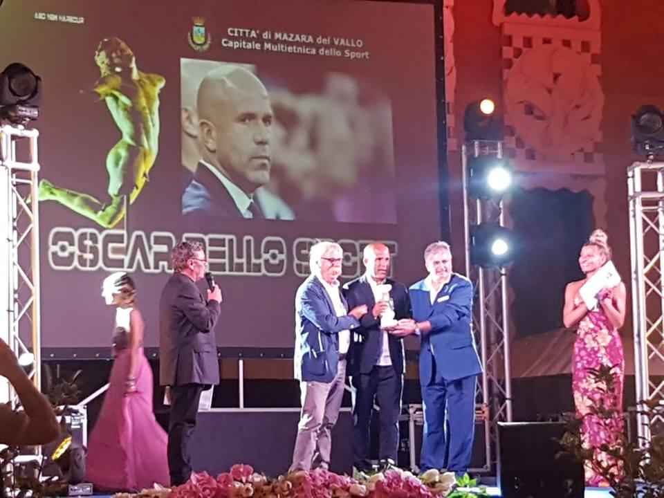 Mazara. Si è svolto l'Oscar dello Sport. Tra i premiati l'allenatore della Nazionale Under 21 di calcio Gigi Di Biagio