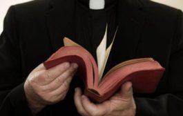 Pedofilia, bufera sulla chiesa cattolica in Pennsylvania: 300 preti coinvolti