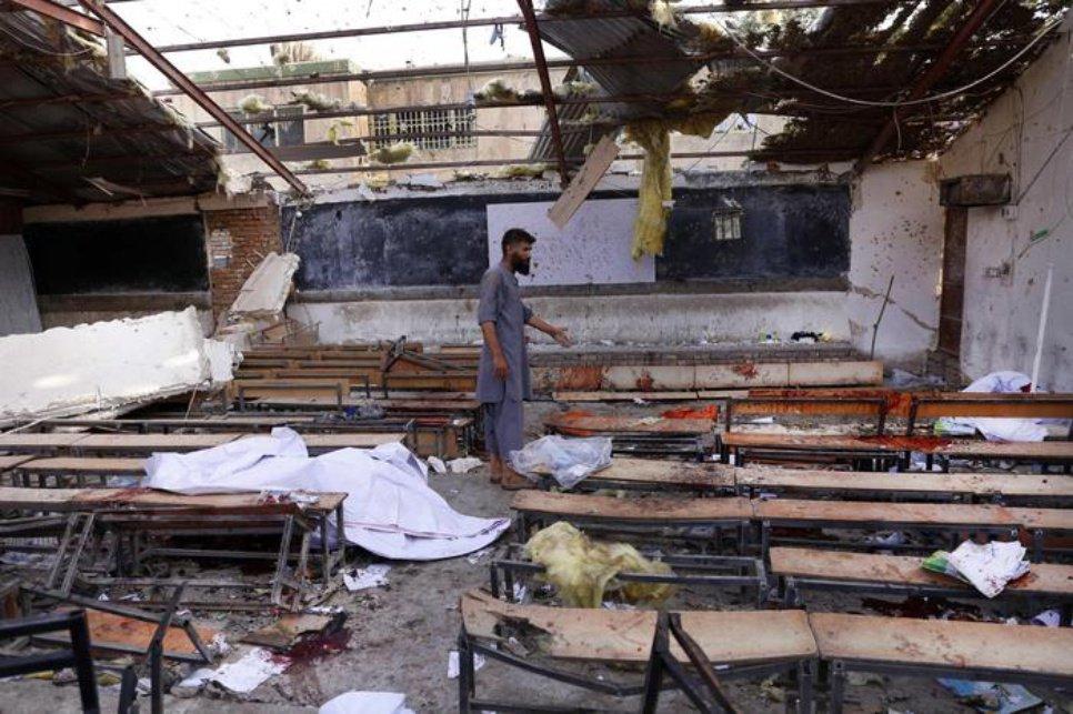 Massacro in una scuola a Kabul, almeno 48 le persone uccise