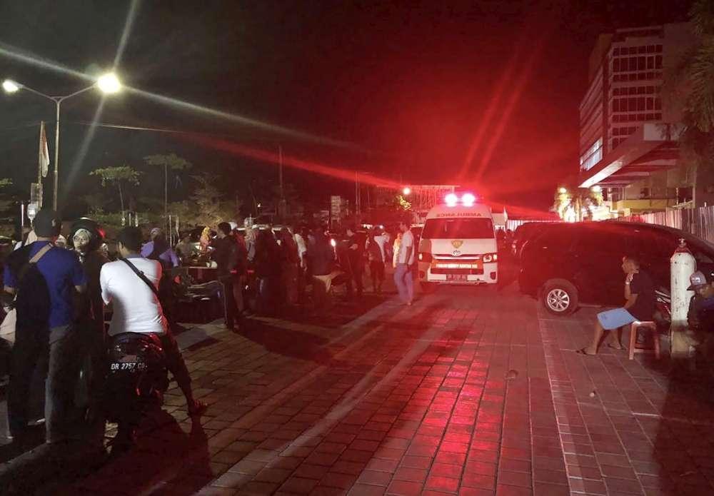 Sisma in Indonesia, almeno 19 morti nell'isola di Lombok: decine i feriti