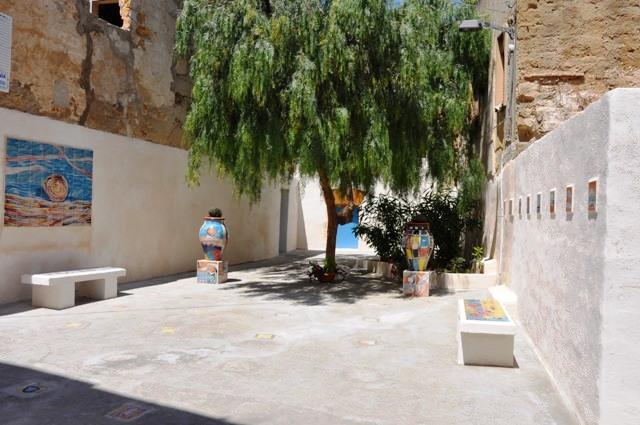 Mazara. Manutenzione vicoli centro storico in vista di BLUE SEA LAND
