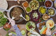 Dieta leggera, niente alcol e fumo: come prendersi cura del proprio stomaco