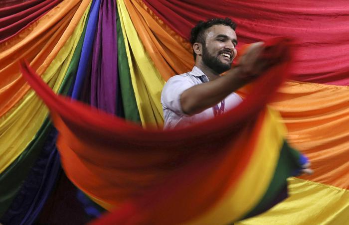 India, essere gay non è più un reato