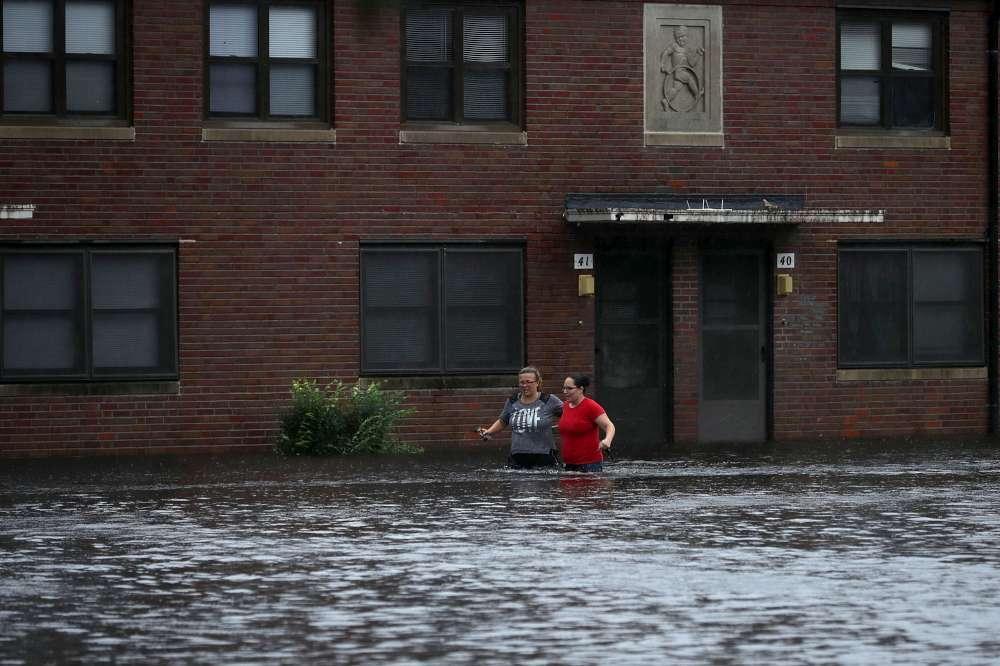 Usa, uragano Florence raggiunge la costa: blackout in 100mila case