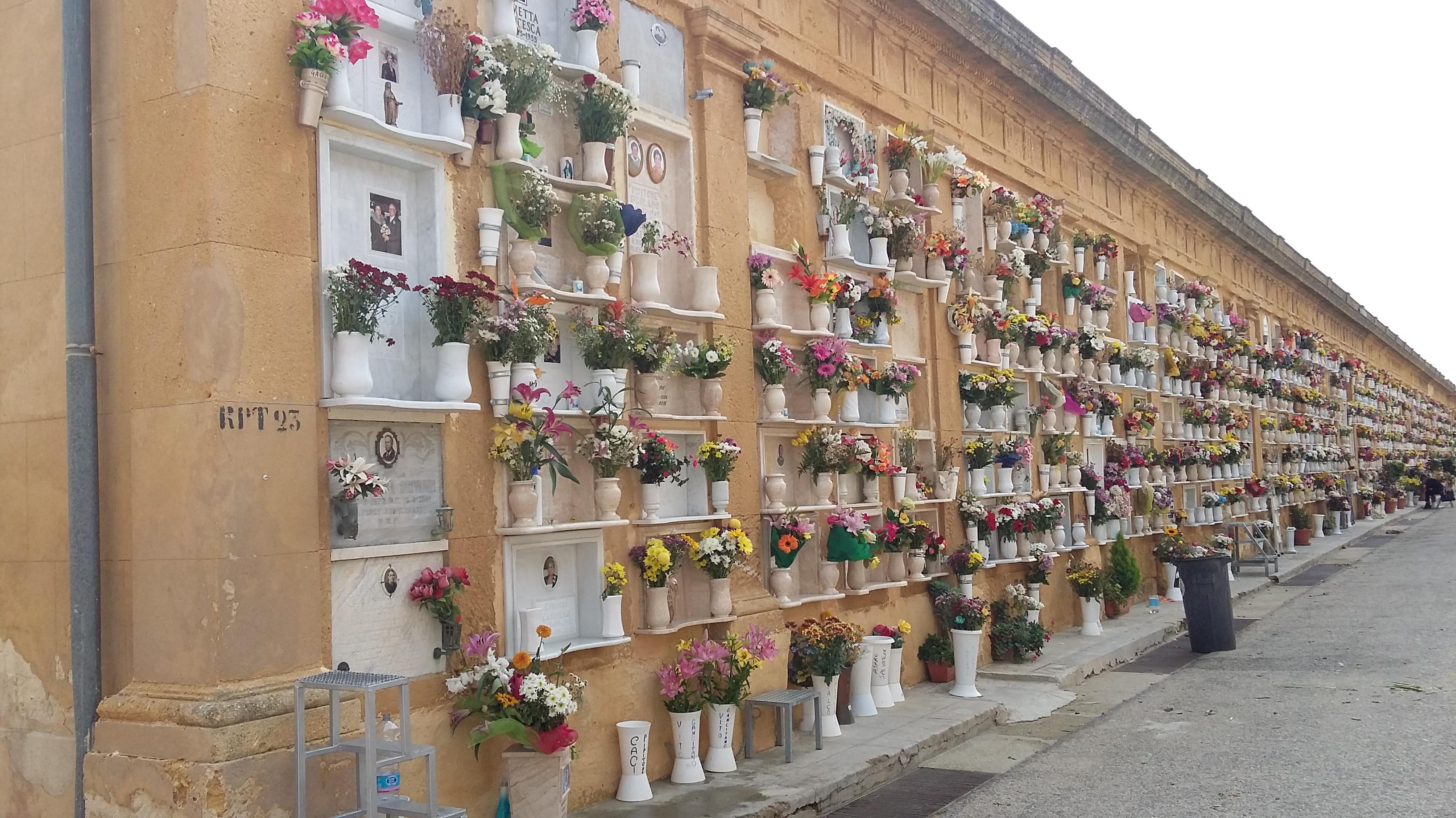 Mazara. COMMEMORAZIONE DEFUNTI. Apertura continuata del Cimitero Comunale nei giorni 1 e 2 Novembre