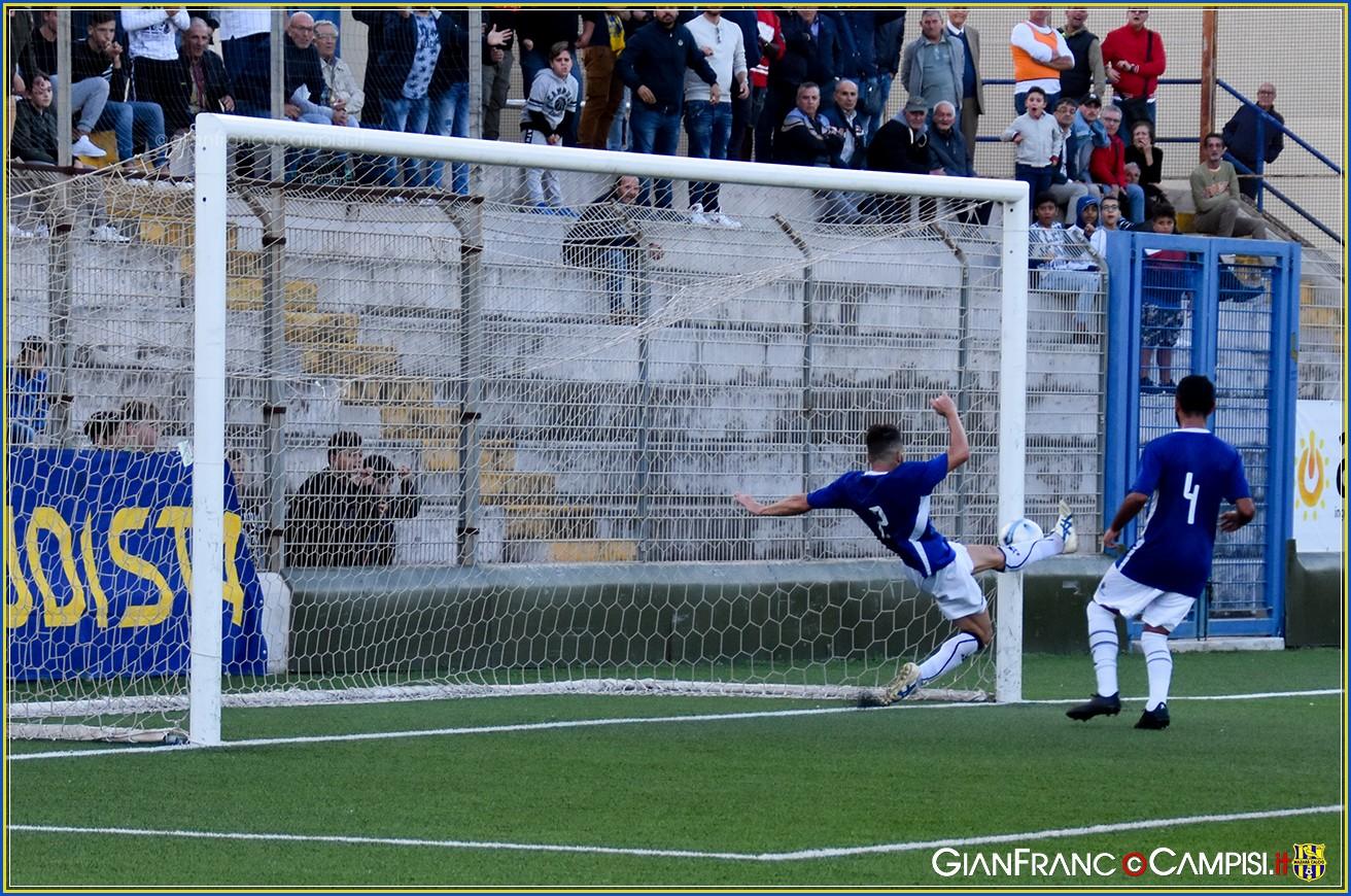 Marsala - Mazara 1-0 Un autogol regala la vittoria agli azzurri