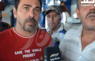 """I pescherecci mazaresi sequestrati in """"zona di guerra"""", ecco un altro video: i militari libici sul peschereccio. I due comandanti interrogati"""