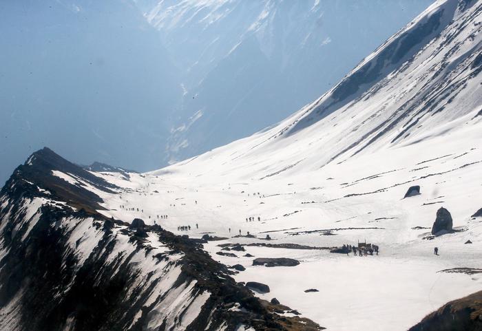 Morti nove alpinisti in una violenta tempesta di neve in Nepal