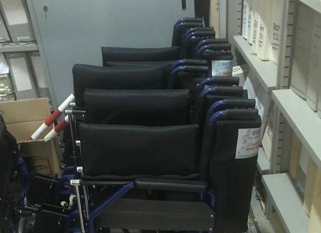 Mazara. Sedie a rotelle in dotazione al cimitero comunale
