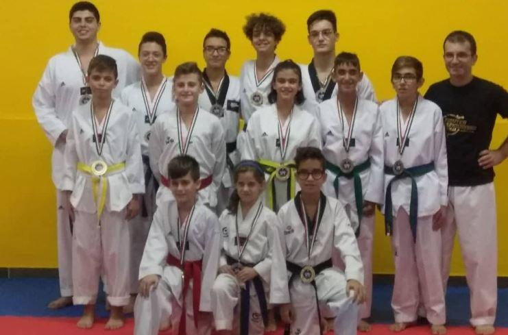 Mazara. Taekwondo del maestro Russo: tredici
