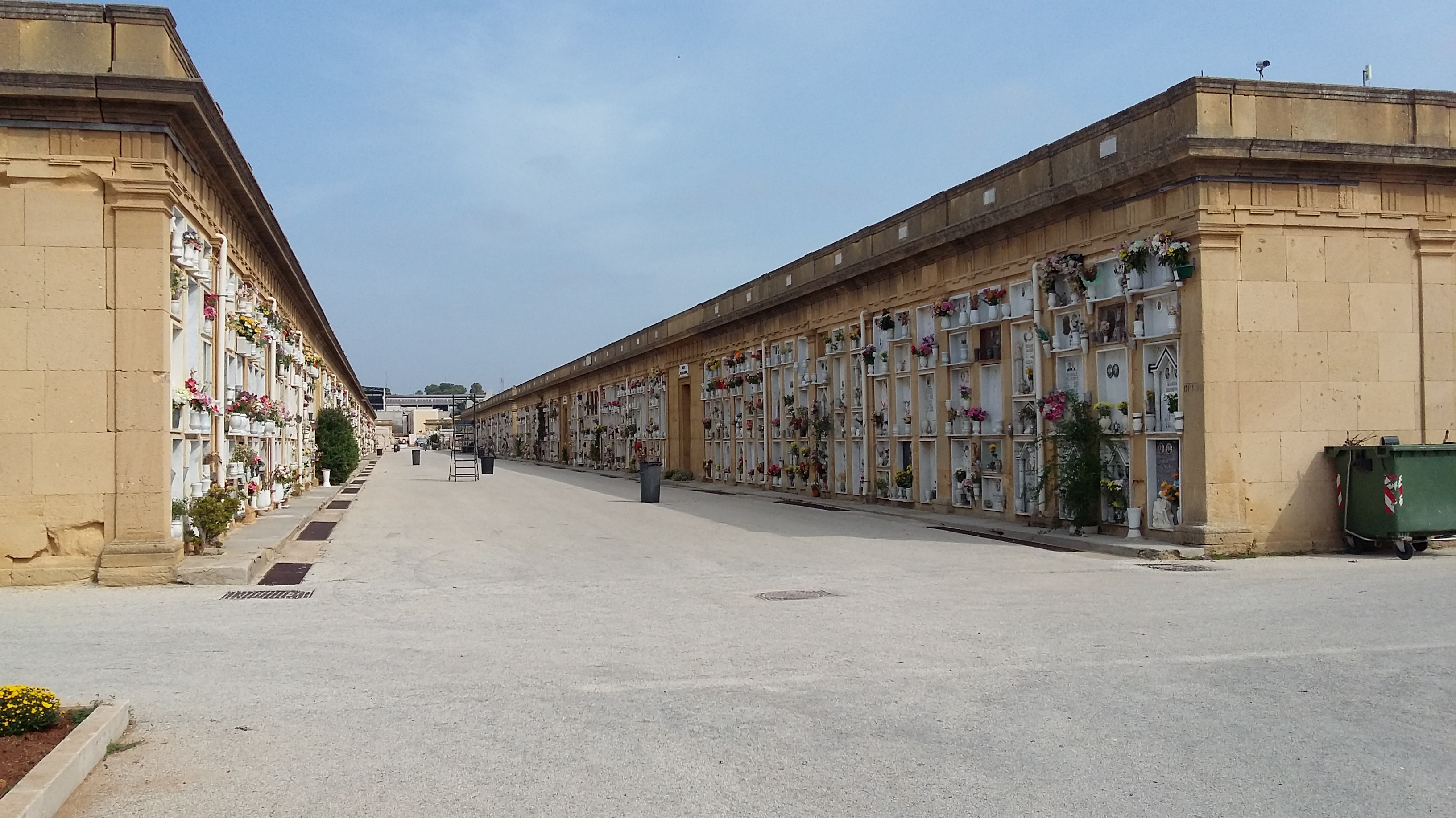 Mazara. Apertura continuata del Cimitero Comunale nei giorni 1 e 2 Novembre