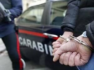 Orrore, fa prostituire i figli di 3, 4 e 7 anni: arrestata la madre, il consuocero e un carabiniere