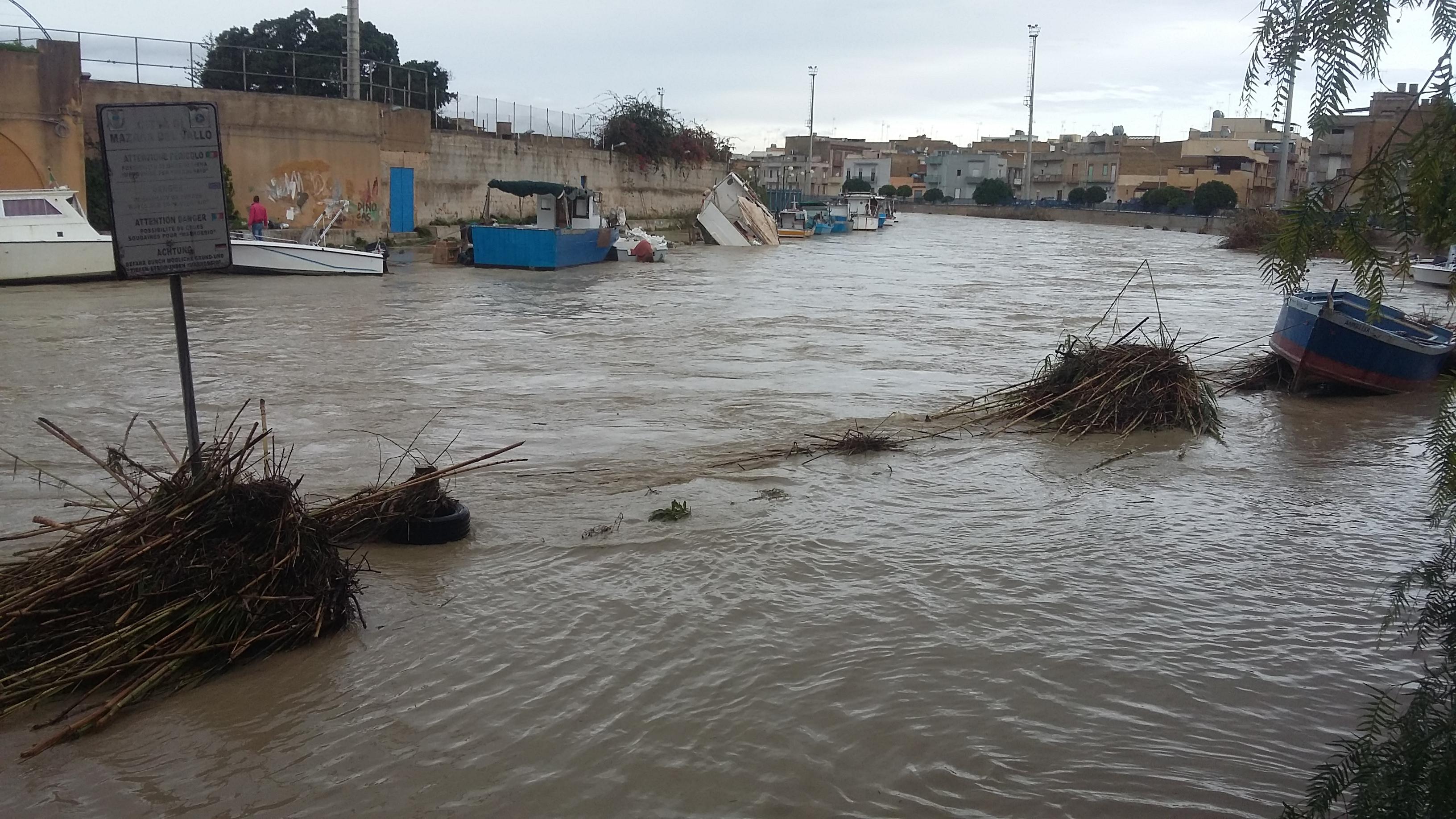 Mazara. La Capitaneria di Porto dirama l'avviso di pericolosità nel Fiume Mazaro