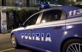 Civitanova Marche, lancia acido e accoltella moglie in strada: arrestato. La donna è in gravi condizioni
