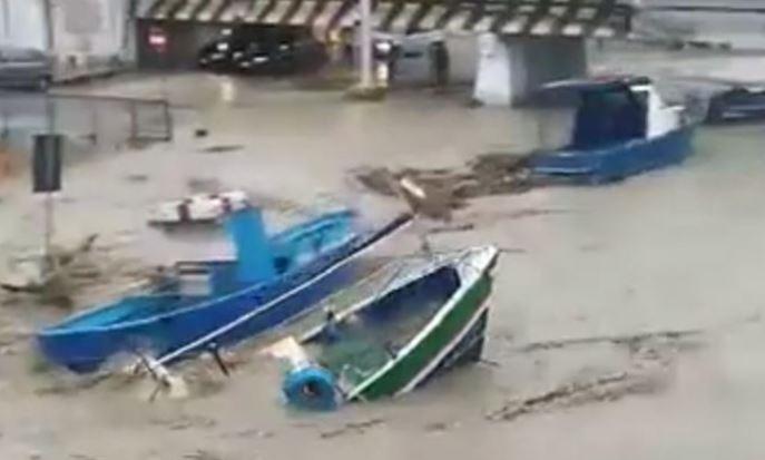 """Mazara. Solidarietà del Distretto Pesca agli operatori del fiume Mazaro. Carlino: """"superare impasse per avviare al più presto escavazione del porto canale mazarese"""""""