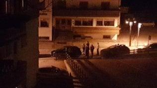 Spari in casa a Folgaria, uccide il figlio e si suicida