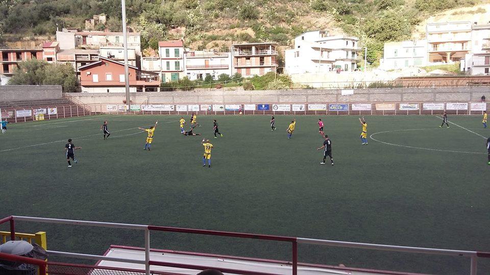 Coppa Italia: S.AGATA – MAZARA 1-1 I gialloblu sfiorano la vittoria. Negati due rigori ai canarini. Interventi prodigiosi di Scurria