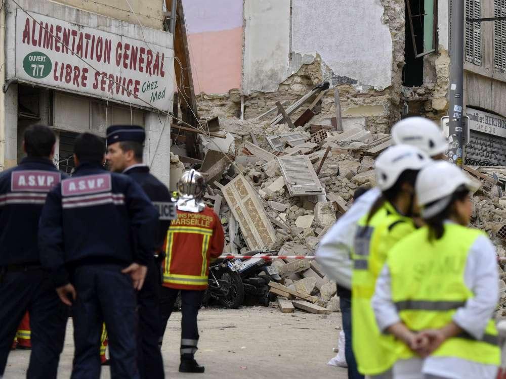 Marsiglia, crollano due palazzi nel centro della città: almeno due feriti lievi