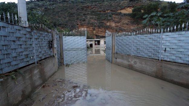 Casa inondata dalla furia dell'acqua, famiglia uccisa a Casteldaccia: 9 morti, ci sono due bimbi di 1 e 3 anni