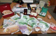 Alcamo: Scoperto in pieno centro abitato un laboratorio clandestino per il taglio ed il confezionamento della cocaina
