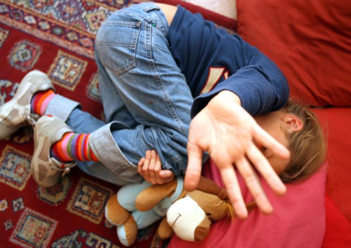 Nonno arrestato per violenza sulle nipotine