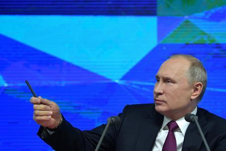 Putin: 'Mondo sottovaluta rischio catastrofe nucleare'