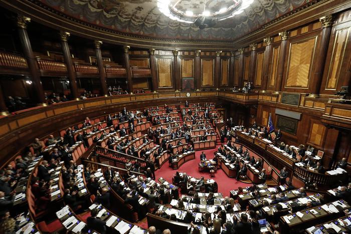 Manovra: ok del Senato, torna alla Camera