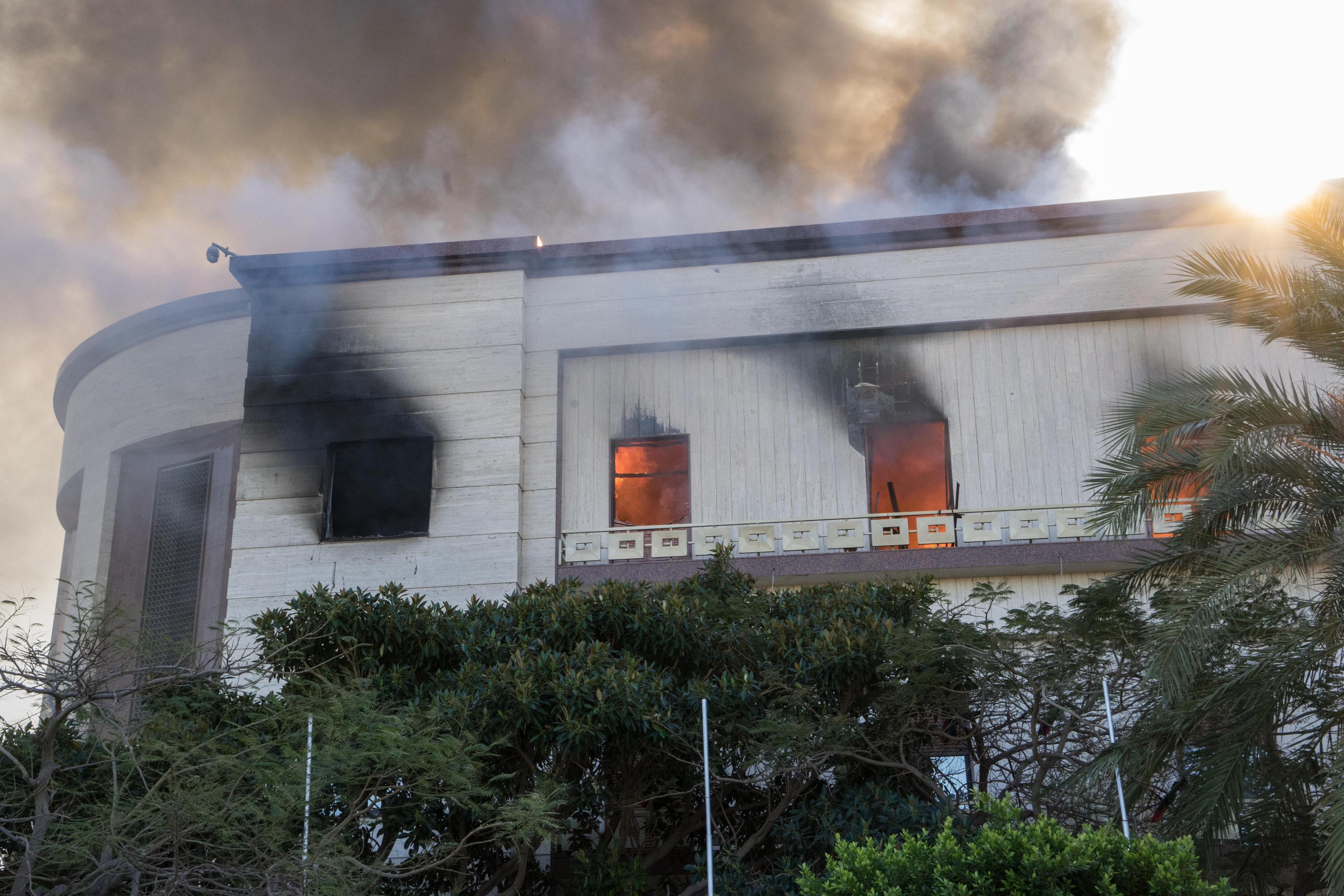 Attentato al ministero a Tripoli, l'Isis ha rivendicato l'attacco
