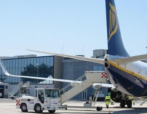 Fondi concessi a Ryanair e falso in bilancio: indagati 15 membri del cda dell'Airgest a Trapani