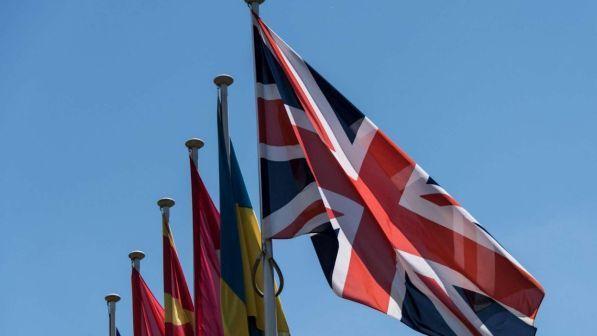 Brexit, ecco cosa devono fare i cittadini Ue residenti in Gb per non diventare clandestini