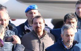 Cesare Battisti atterrato a Ciampino, in cella da solo e sei mesi isolamento diurno