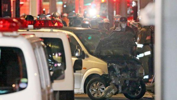 Giappone, minivan investe gruppo di pedoni a Tokyo: nove feriti