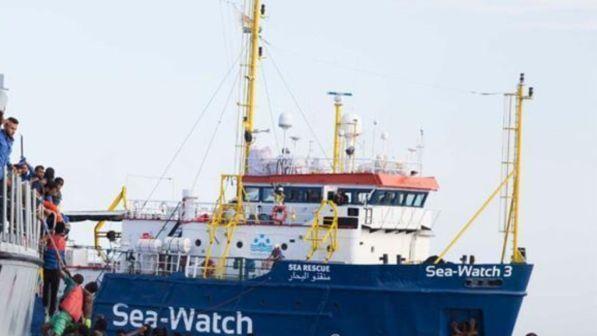 Migranti, Malta autorizza l'ingresso nelle sue acque alla Sea Watch
