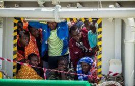 Libia, barcone in avaria con 100 migranti a bordo. Tripoli invia i soccorsi dopo ore