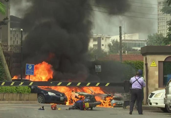 Terrore in Kenya, attaccato hotel a Nairobi. Almeno 7 vittime