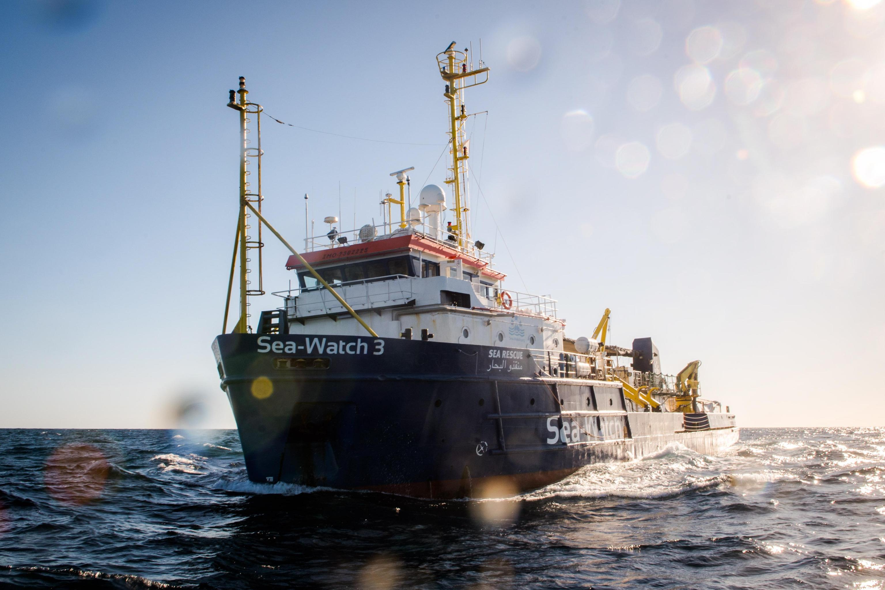 Sea Wacht, Malta dice sì allo sbarco: migranti in 8 paesi tra cui l'Italia