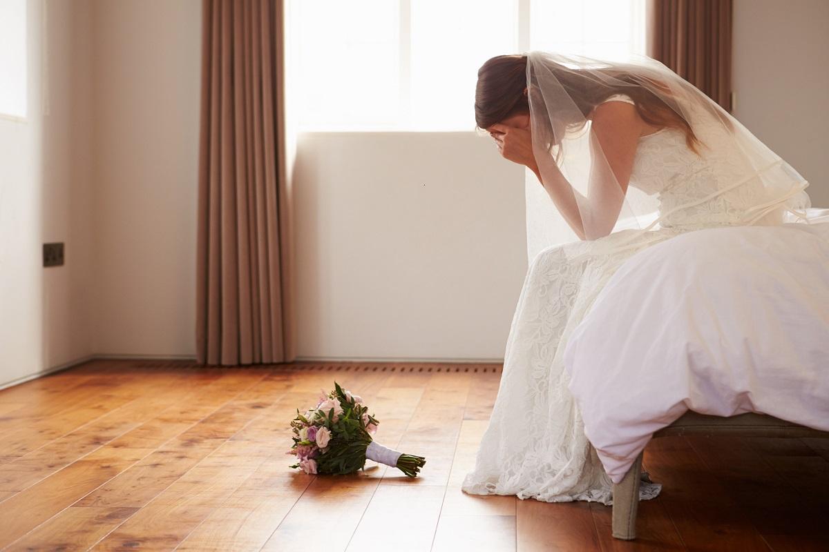 Lunga attesa della sposa all'altare, tra imbarazzo e incredulità il futuro marito non si presenta