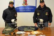 Trapani: spacciava dagli arresti domiciliari cocaina e hashish, arrestato dalla Polizia di Stato